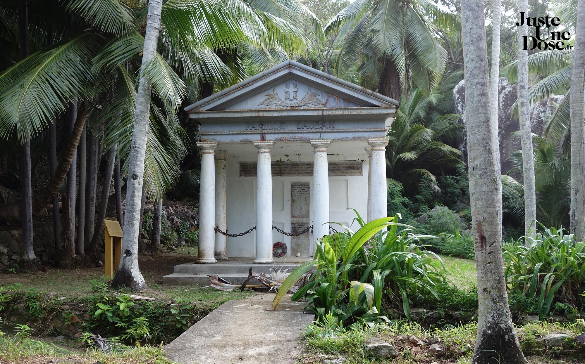 seychelles-silhouette-island-dauban-mausoleum